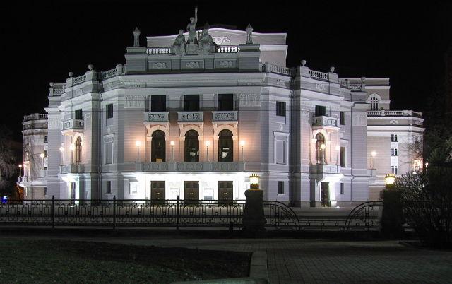 Rekonstruktsiya zdaniya teatra2