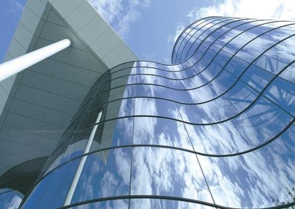 polustrukturnogo ostekleniya fasada