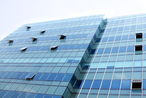 strukturnogo ostekleniya fasada