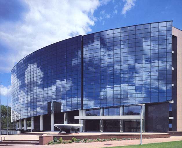 vitrazhnoe-osteklenie-fasadov-konstrukcii